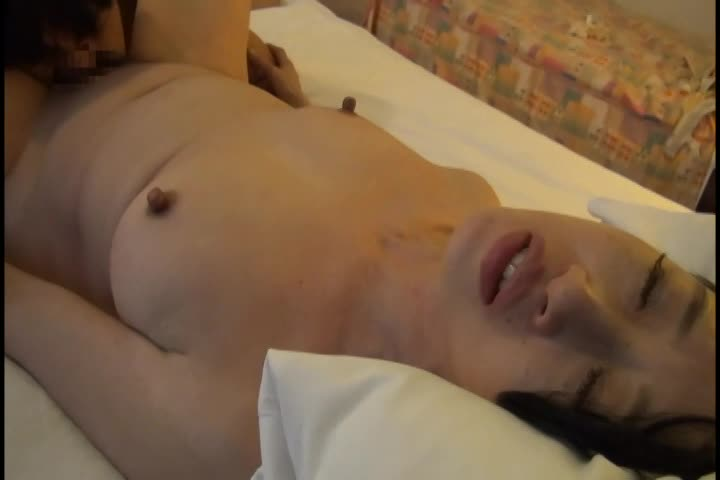 【素人】自らAV応募してきた淫乱美熟女妻が久しぶりのセックスに理性崩壊w