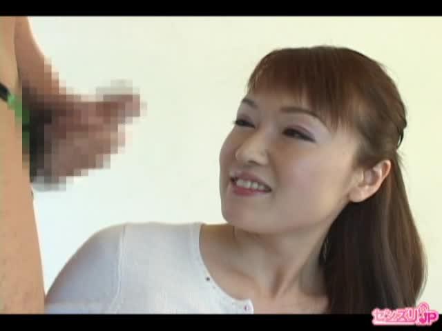 素敵な歳の取り方をしてる美熟女奥様のセンズリ鑑賞のサムネイル画像